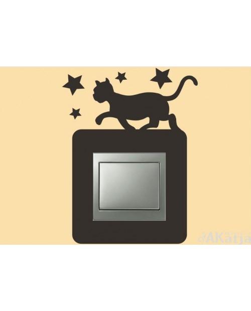 Naklejka pod włącznik spacerujący kotek i gwiazdy