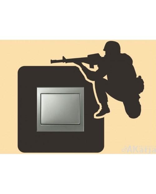 Naklejka pod włącznik żołnierz